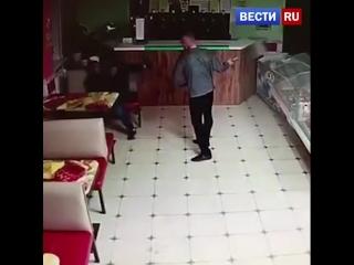 Житель Татарстана избил лопатой посетителя кафе, отказавшегося угостить его спиртным