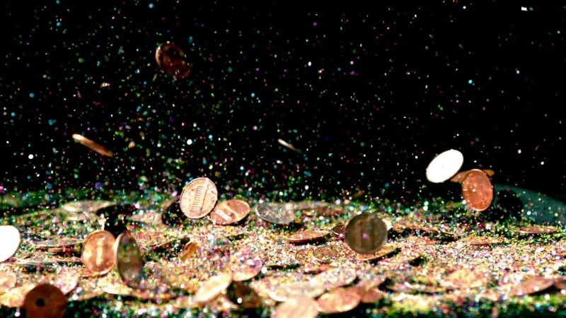 Slow-motion-falling-coins-and-confetti_wjydfblzs__D