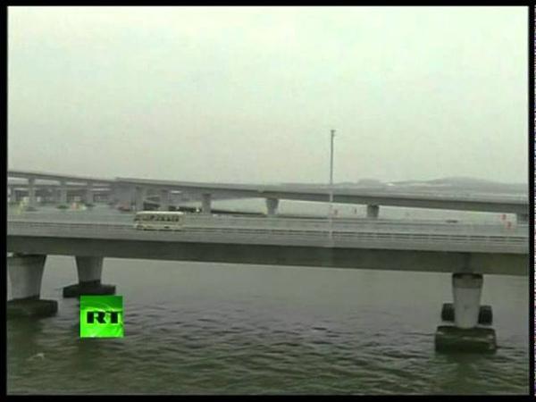 Video of worlds longest sea bridge opened in China