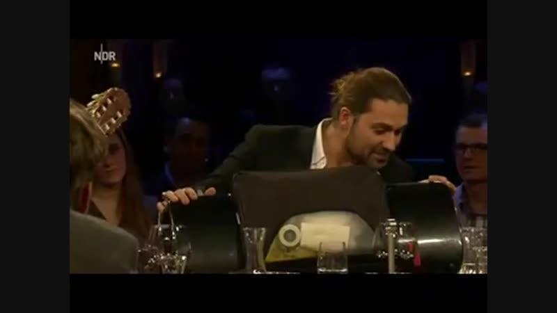Axel Prahl und David Garrett spielen für Veronika Ferres - NDR Talkshow -03.04.2013