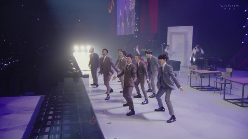 Call me baby - WOWOW EXO PLANET 4 The ElyXiOn in Japan