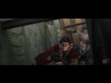 Гарри ловит Снитч и ломает руку - Гарри Поттер и тайная комната (2002) - Момент из фильма
