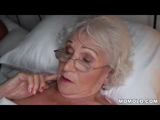 Granny cheating on her hubby with a younger guy - XNXX.COM.mp4