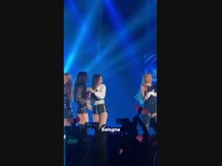 [Видео] Jennie kicks off Jisoo