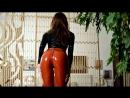 Yoga instructor Zoe in latex leggings latex top