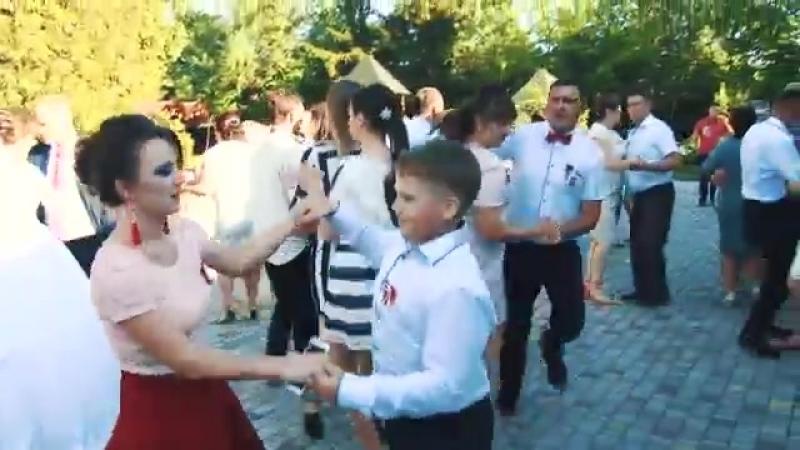 ЗАСПІВАЙМО ПІСНЮ ВЕСЕЛЕНЬКУ МОСТИСЬКА ГУЛЯЄ у Садковичах Україна