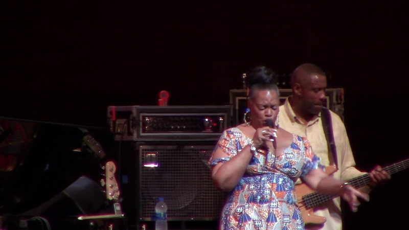 Dianne Reeves performed for just 7 minutes at Chicago Jazz Festival, Fri Aug 31st 2018