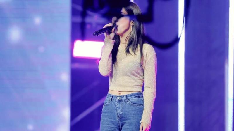 Falling Out at DMZ 2018 K-Pop Peace Concert (180506)