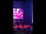 Саратовские учителя станцевали на сцене со Стасом Костюшкиным