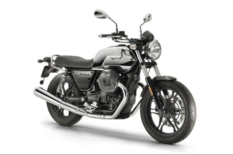 Компания Moto Guzzi представлиа Moto Guzzi V7 III Limited  на Wheels & Waves 2018