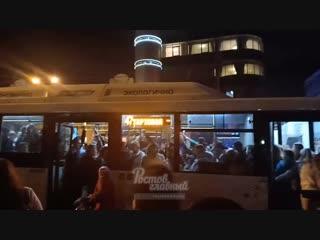 Давка в автобусе на остановке на Большой Садовой 31.10.2018 Ростов-на-Дону Главный
