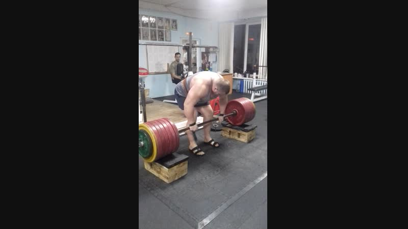 тяга с плинтов 370 кг.