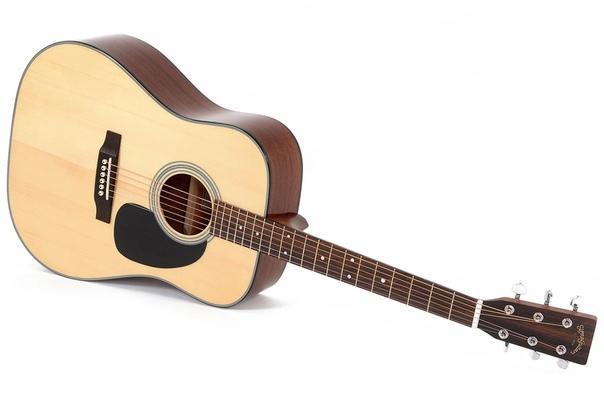 Разница между акустической и классической гитарой На первый взгляд, акустическая гитара это то же самое, что и классическая гитара. Однако с вами будет готов поспорить любой знаток музыкальных