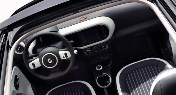 Обновленный Renault Twingo: одноухий бандит Фото:компания RenaultСамый маленький автомобиль в европейской гамме Renault пережил пластическую операцию на лице. Отдельные кругляши ходовых огней,