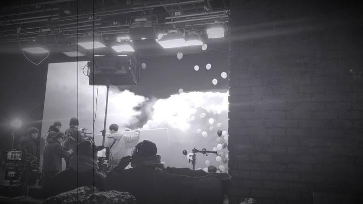 """YANG HYUN SUK on Instagram """"NEXT IS WINNER 많은 인서들의 요청에 따라 위너의 3집 정규앨범은 해외투어가 끝나는 내년 2월로 연기하고 대신 올 12월에느낌이 오는 싱글곡을 선 발표하여 위너와 인서들에게 2018년 최고의 ..."""