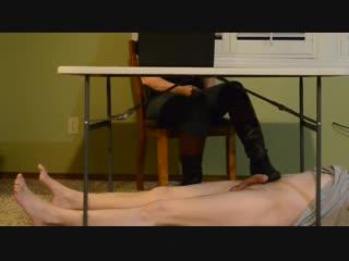 Shoejob Under Table / Foot Fetish