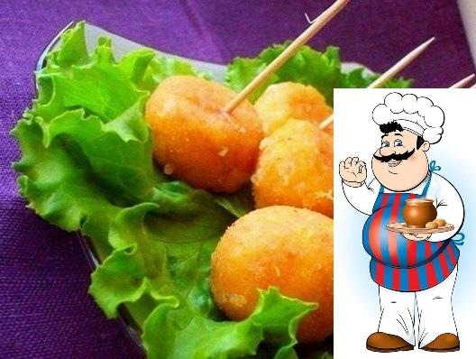 Сырные шарики, жареные с чесноком Сырные шарики очень вкусное и популярное блюдо. Существует много способов их приготовить. Предлагаю Вам несложный рецепт жареных сырных шариков с чесноком.
