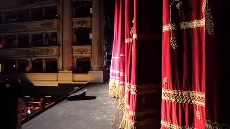Ildar Abdrazakov on Facebook: Applausi dopo la prova generale di Attila ! Bravi tutti!