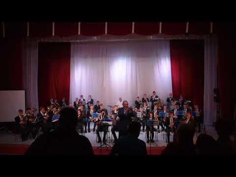 Финал благотворительного концерта в помощь Михайло Архангельской церкви Овации оркестру и В Трефил