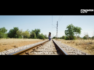 PaperClap feat. Alicia-Awa – Summertime 2k