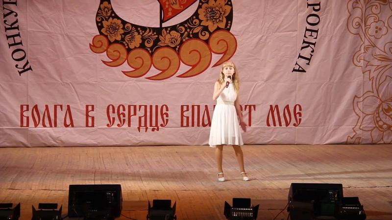 Красками разными поет Корнилова Полина солистка вокальной студии Коктейль