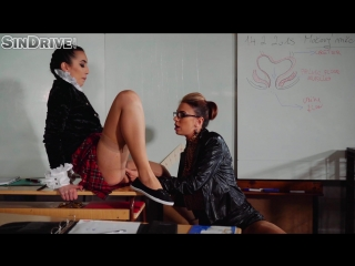 [goldenshowerpower.com  sindrive.com] the bladder lesson very hands on lesbo piss training! (23032018) 1080р