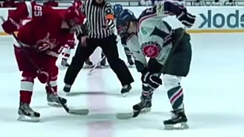 Хоккей-это когда тебя ломают.(Трейлер Молодежки).