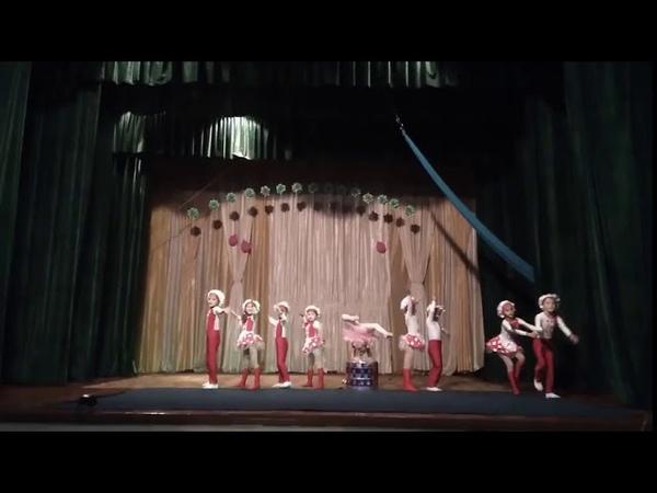 8000332. Образцовый цирковой коллектив Золотая арена. Композиция Поварята