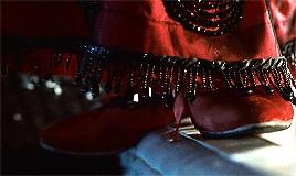 """Красное платье """"прыжка"""" Розы Дьюитт в """"Титанике"""""""