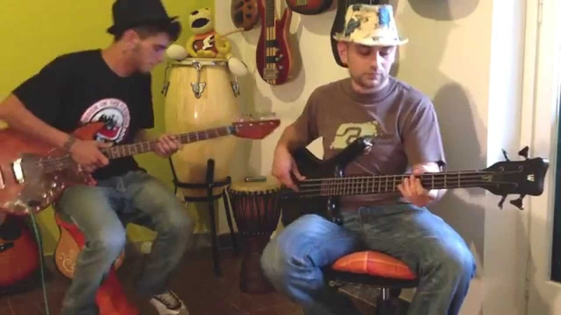Funky Bass Battle (Jam with 2 Basses)