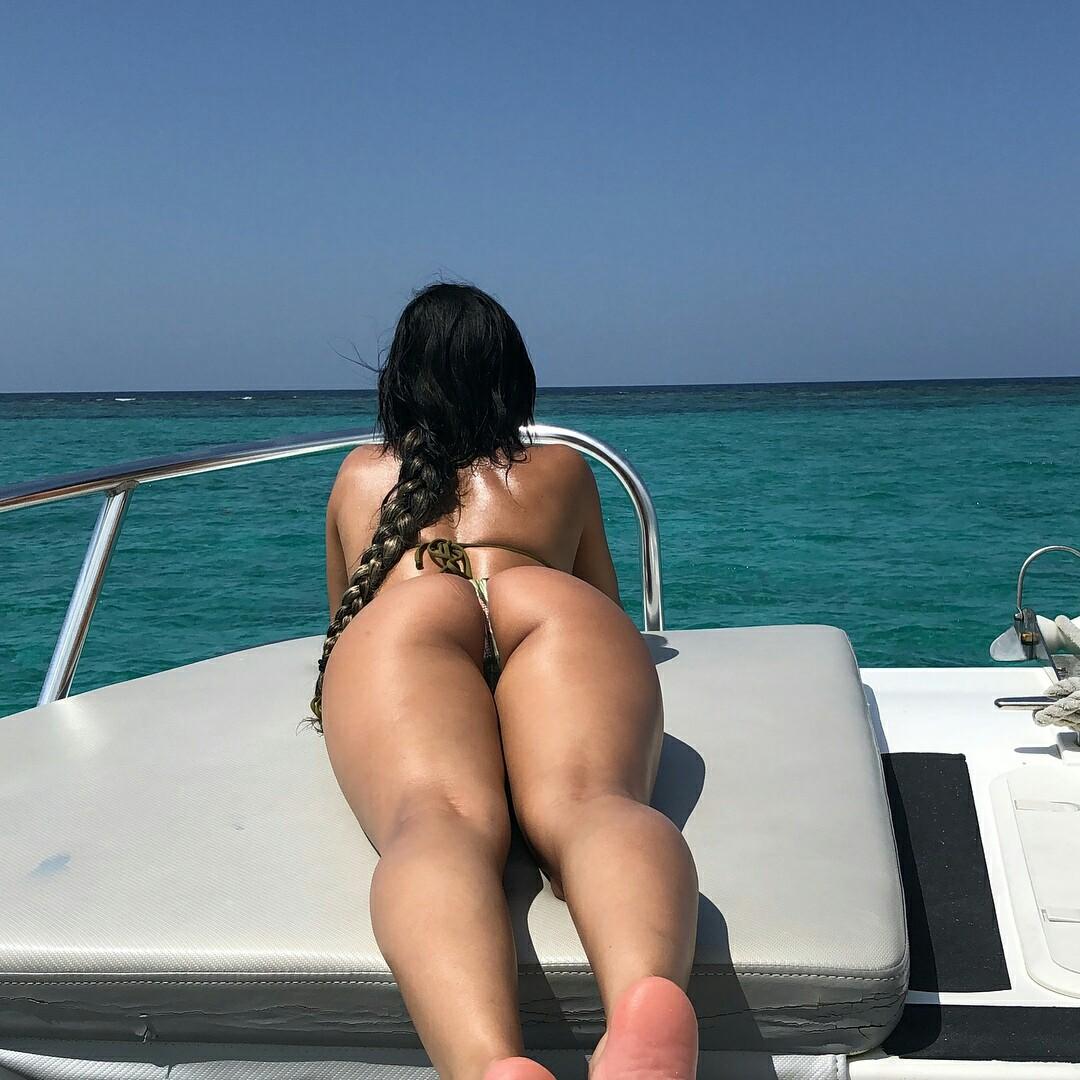 Nude classy mom big titties pics