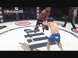 Bellator 186_ Tywan Claxton wins by Flying Knee Knockout!