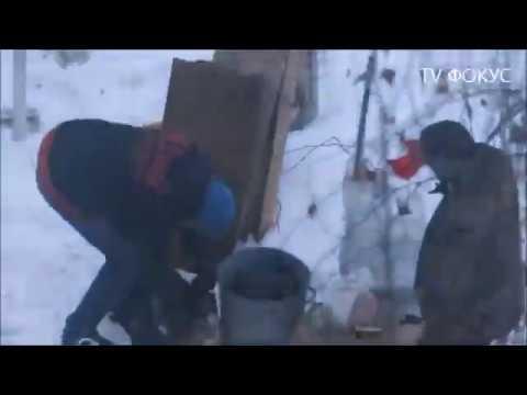 АНТИПИОНЕРЫ. Металлолом. Сбор металлолома. Бомжи собирают металлолом. Борщаговка. Киев.