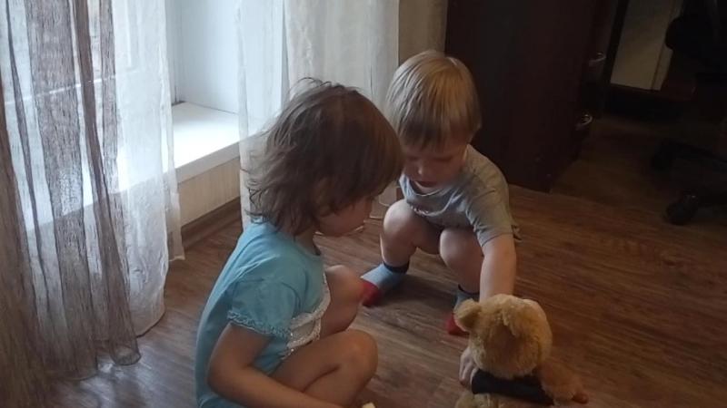 танцуют детки конфетки