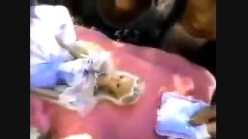 Sleeping Beauty Barbie Doll 1998. MATTEL Commercial 1999