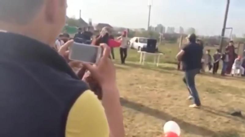 Иса Гудермес браток афигенно танцует