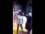 День рождения Надежды Бабкиной, вручение торта на сцене /Елена Зеркаль/