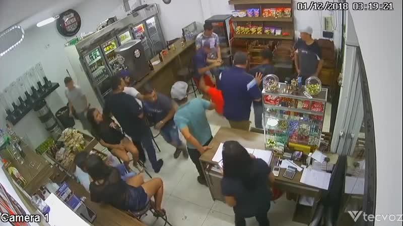 Мужчина застрелил бразильского экс-военного из его же пистолета