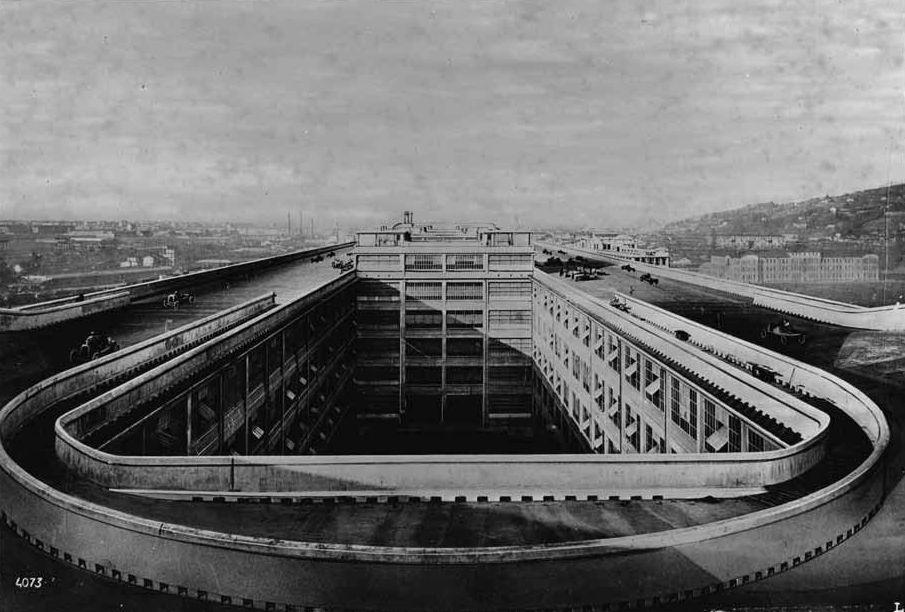 Гоночный трек на кровле здания завода ФИАТ в Турине