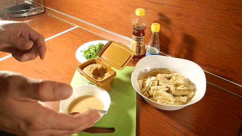 Соевая спаржа по-корейски в соусе из соевой пасты Дендян SingSong
