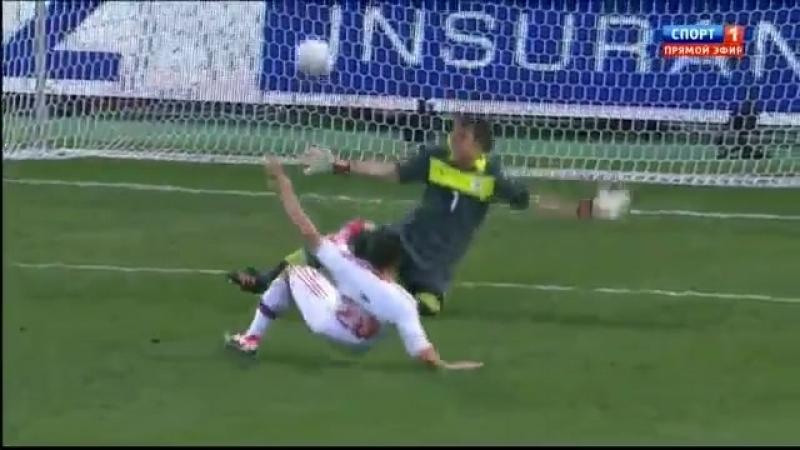 Александр Кержаков - мяч в ворота сборной Уругвая