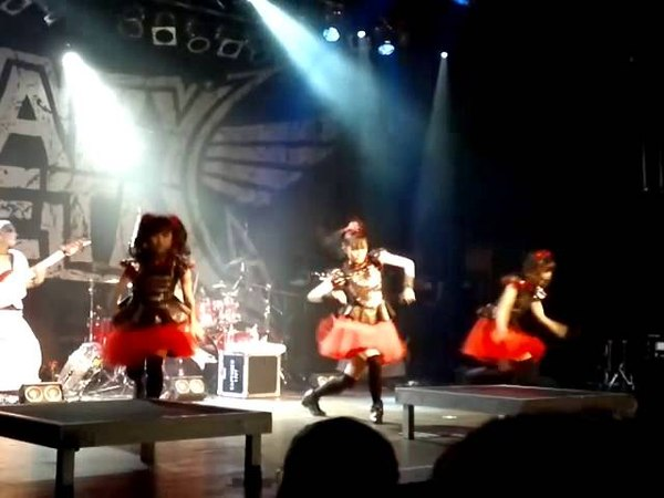 BABYMETAL, ド・キ・ド・キ☆モーニング Doki Doki Morning, live in Zürich, am 03.06.15