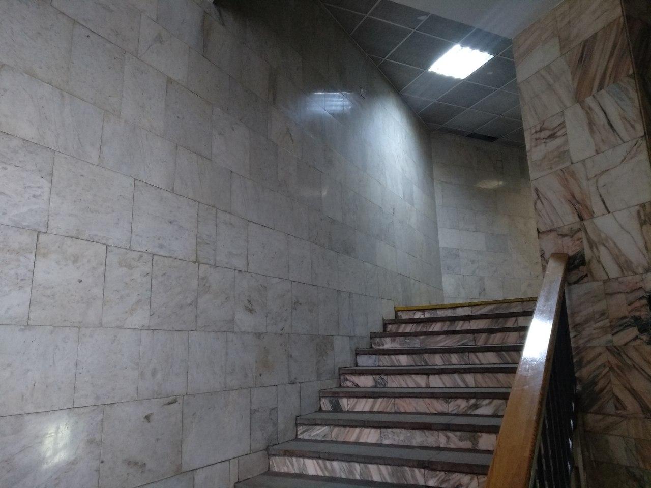 ГородОтель на Белорусском. Москва очень, номере, здесь, самого, комнаты, гостиница, здании, окном, находится, открытым, ростом, практически, поняла, балкона, дверь, шумно, балконная, Особенно, подумала, телевизор