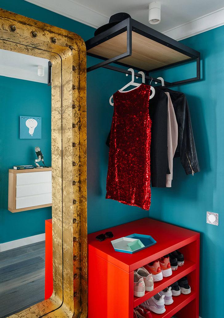 Небольшая красочная квартира для девушки в Москве, 34 кв.