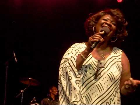 Irma Thomas performing Simply The Best (6/19/10)
