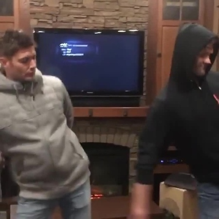 Винчестеры маятник Sam and Dean dance · coub, коуб