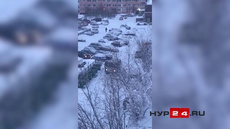 НУР24.REC В Новом Уренгое заподозрили кражу мусорного бака