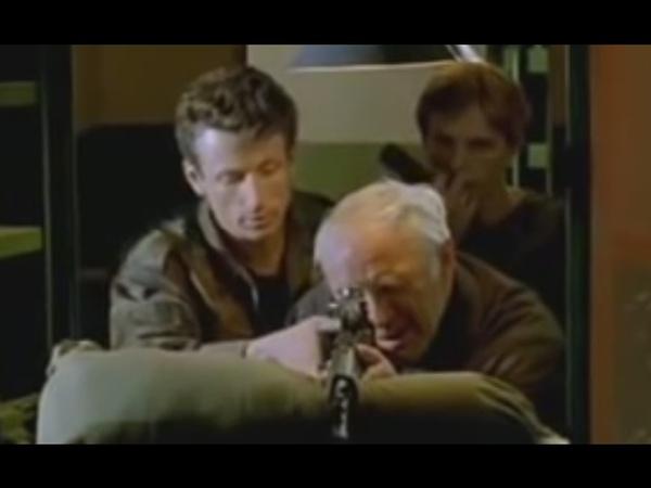 Ветеран покупает винтовку