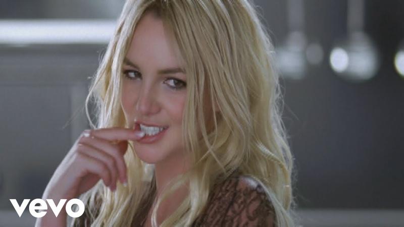 Britney Spears - Womanizer (Directors Cut)