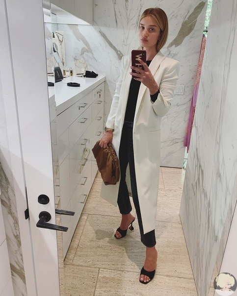 Роузи Хантингтон-Уайтли показала, что носит каждый день